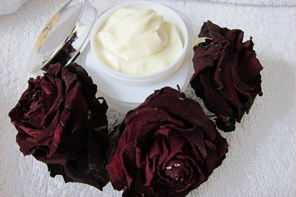 роза - средство от сухости кожи